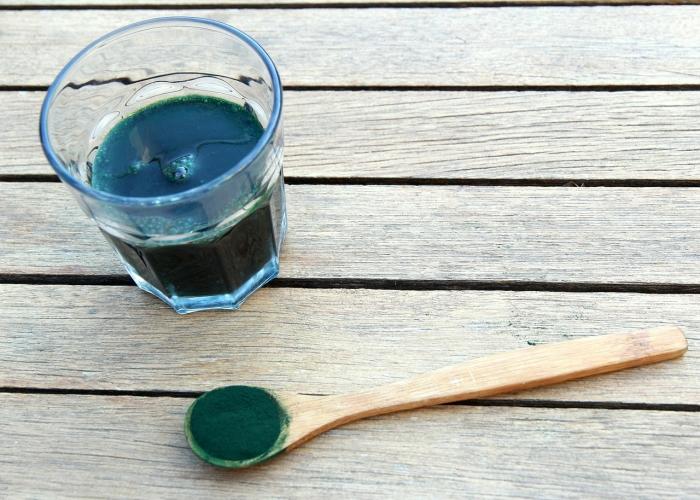 Richesse en fer de la spiruline, mieux que la poudre: la spiruline liquide!