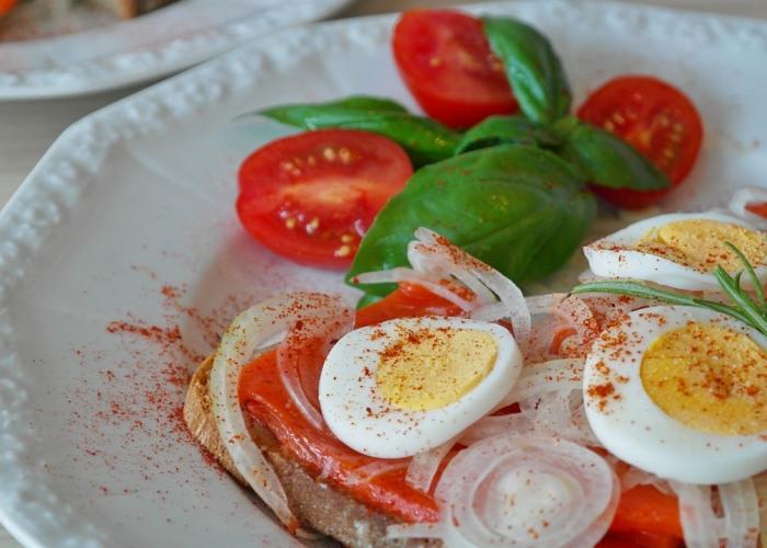 Vitamine D alimentaire: mettez des poissons gras et des oeufs au menu!